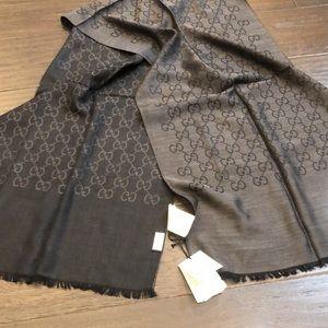 BNWT Gucci unisex reversible Wool scarf GG